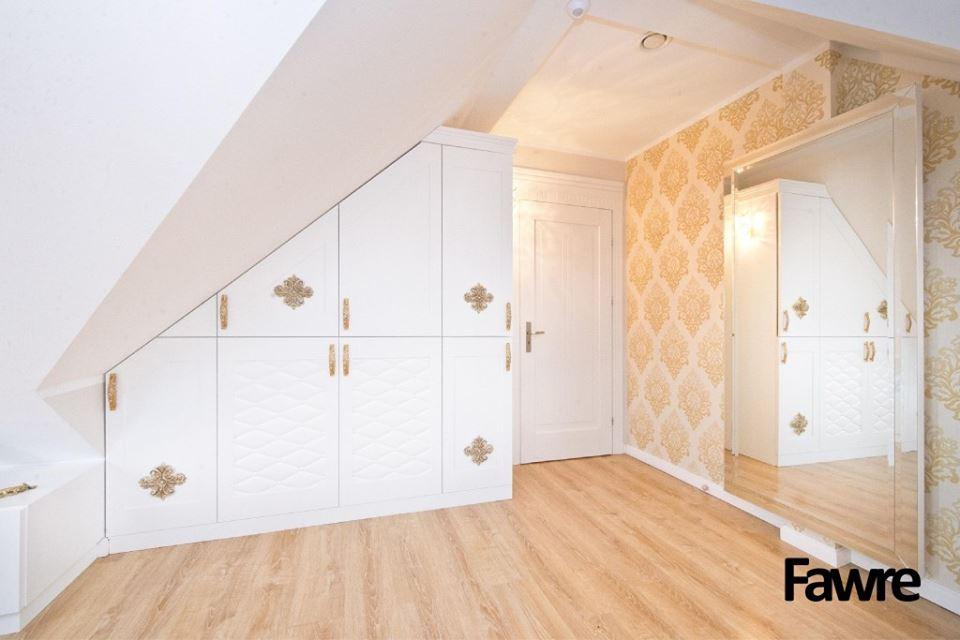 Garderoba wstylu klasycznym podskosem