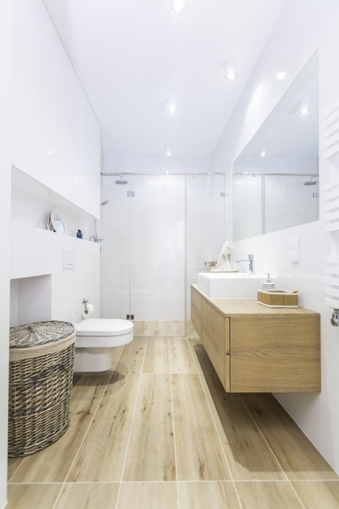 Jak powiększyć małą łazienkę