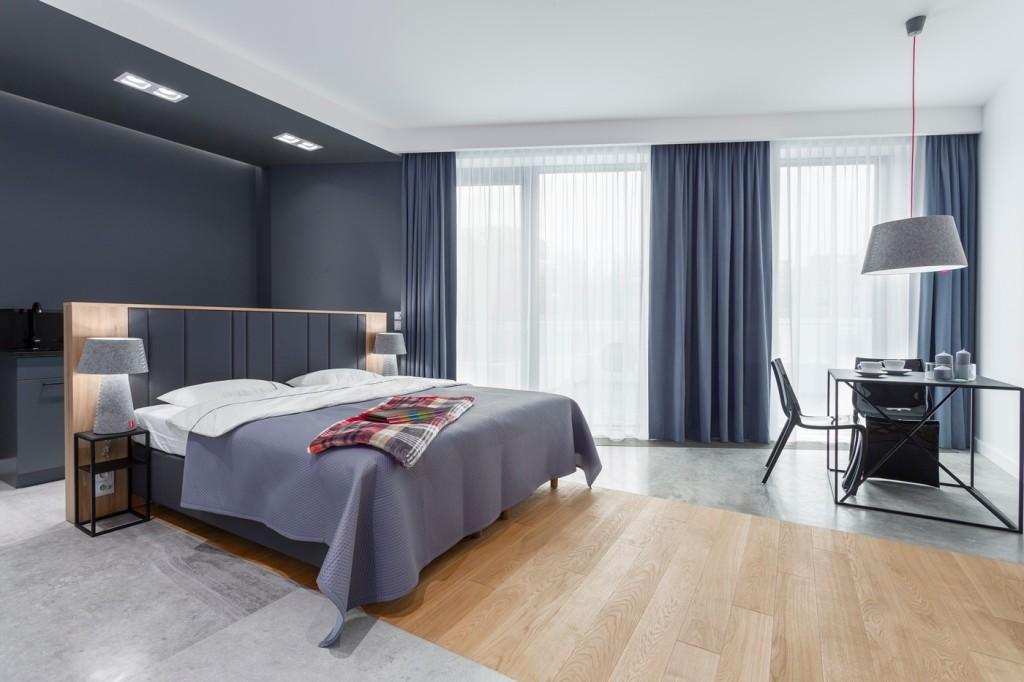 Funkcjonalny pokój hotelowy