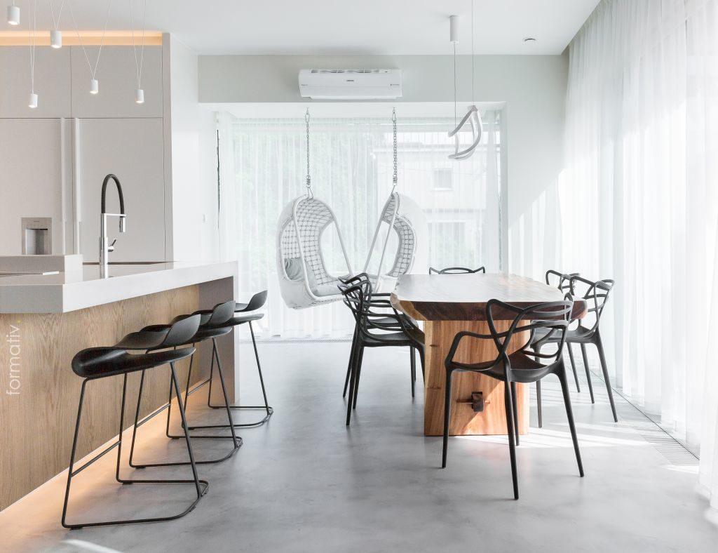 Drewniany stół wjadalni / Projekt: formative